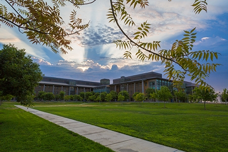 Exterior view of Science and Engineering 1 building.